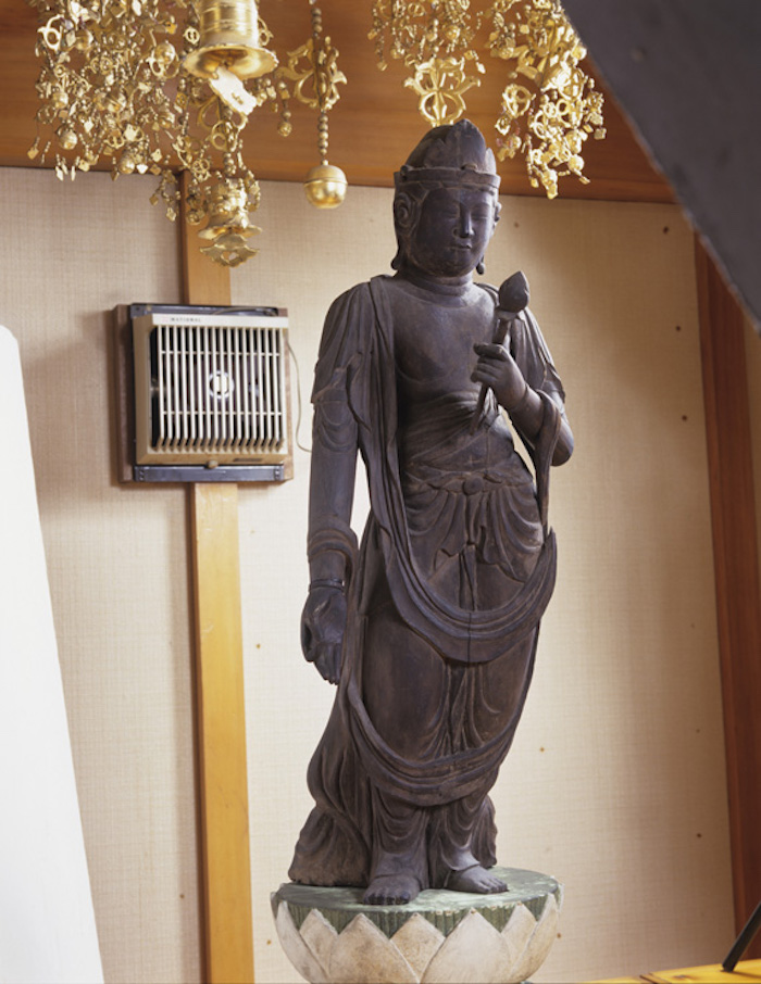 木造聖観音立像の画像