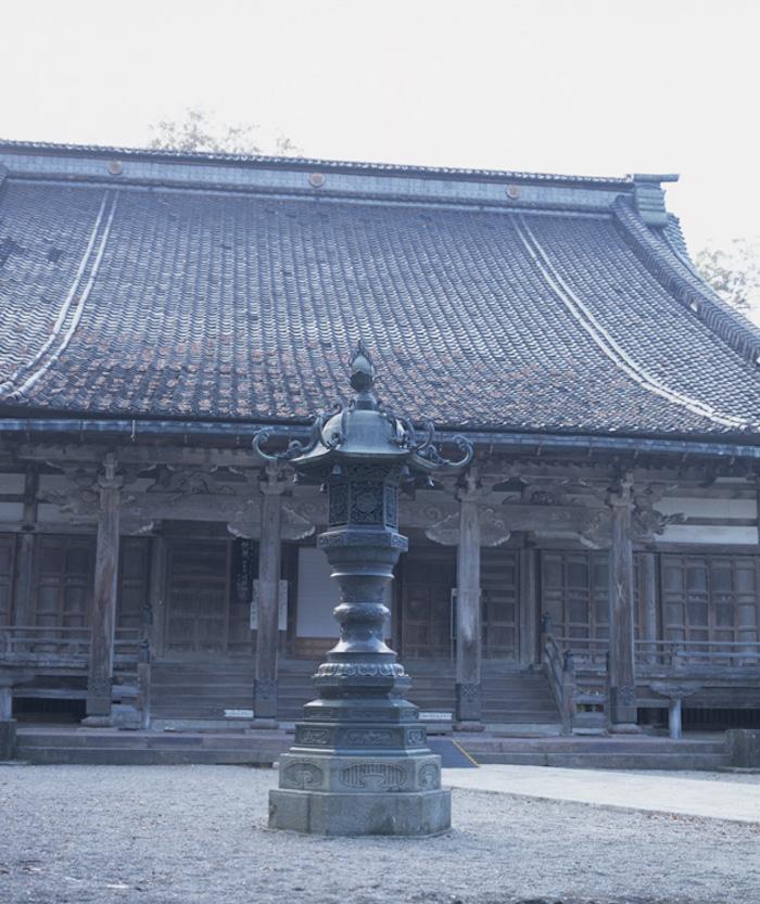 善徳寺唐金燈籠の画像